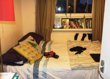 Thumbnail 5 bed maisonette to rent in Woodseer Street, Aldgate East/Whitechapel