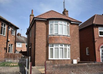 Thumbnail 3 bed detached house for sale in Queensgate, Bridlington