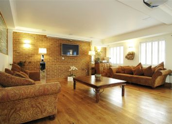 3 bed flat to rent in Fitzroy Street, Fitzrovia, London W1T