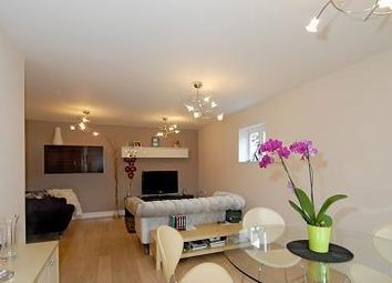 Thumbnail 2 bedroom flat to rent in Fernbank Road, Ascot