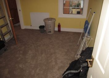 Thumbnail 3 bed terraced house to rent in Auckland Road, Reading