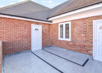 Thumbnail 3 bed flat to rent in Bicester, Oxfordshire
