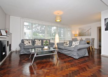 Thumbnail 2 bed flat to rent in Knoll Court, Farquhar Road, London