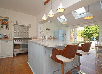 Church Road, Mannings Heath, Horsham RH13. 3 bed terraced house