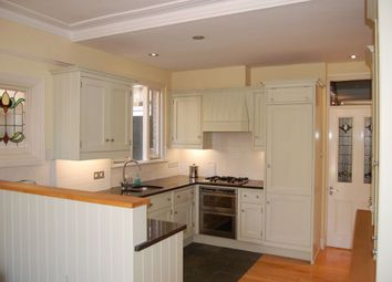 4 bed property to rent in Manor Road, London SW20