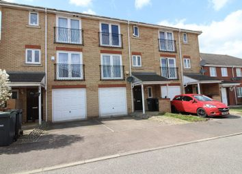 Thumbnail 4 bedroom town house to rent in Primrose Close, Luton