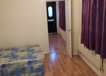 Thumbnail 1 bed flat to rent in Tennyson Road, Luton