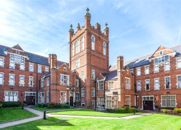 Thumbnail 3 bedroom flat for sale in Windsor House, King Edward Place, Bushey, Hertfordshire