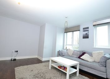 Thumbnail 3 bed flat to rent in Glebelands Close, Finchley