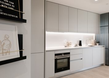 Thumbnail 2 bed flat for sale in Penn Street, Hoxton, London