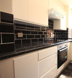 Thumbnail 2 bed flat to rent in Kendal Street, Edgware Road, London