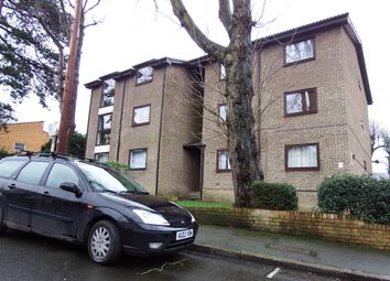 Thumbnail 1 bed flat to rent in 11, Hurst Road, Croydon