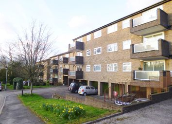 2 bed flat to rent in Hogarth Court, Bushey WD23