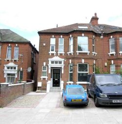 Thumbnail 2 bed flat to rent in Minster Road, Kilburn