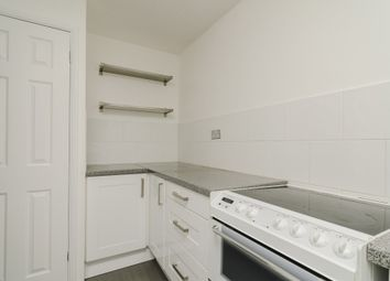 Thumbnail 1 bed flat to rent in Victoria Close, Cheshunt, Cheshunt, Waltham Cross