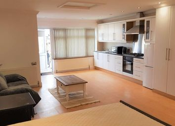 Thumbnail Studio to rent in Studio Apartment - Southall, West London