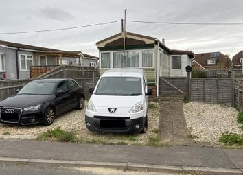 2 bed detached bungalow for sale in Winnersh, Winnersh RG41