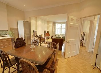 Thumbnail 2 bedroom flat to rent in Addison Grove, Chiswick, London
