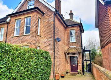 Thumbnail 1 bed flat to rent in The Drive, Sevenoaks
