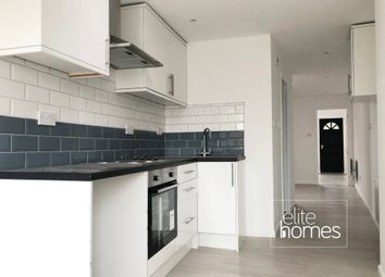 Thumbnail 1 bed flat to rent in Bullsmoor Lane, Enfield