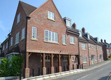 Thumbnail 1 bed flat to rent in Roughdown Road, Hemel Hempstead