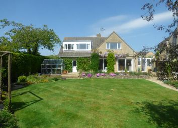 Thumbnail 4 bed property for sale in Kingsmead, Lechlade