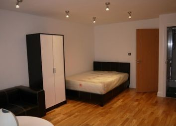 Thumbnail 1 bed flat to rent in Hornsey Road, Arsenal, London