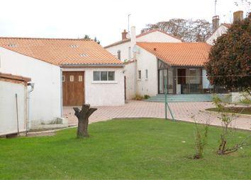 Thumbnail 3 bed property for sale in Pays De La Loire, Vendée, Sainte Radegonde Des Noyers
