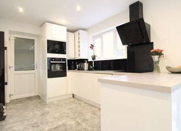 3 bed end terrace house for sale in Long Croft Road, Luton LU1