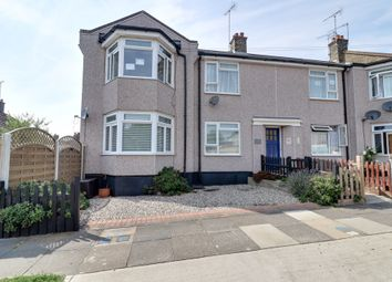 Thumbnail 2 bed flat for sale in Norfolk Avenue, Leigh-On-Sea