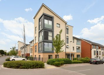 Thumbnail 2 bedroom flat for sale in Midgham Way, Reading