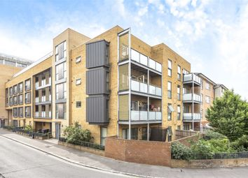 Thumbnail 2 bed flat for sale in Hogarth Crescent, Croydon