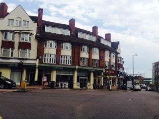 Thumbnail 4 bed flat to rent in Finchley Lane, London
