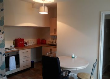 Thumbnail Studio to rent in Flat 5, 5-7 High Street, Stone