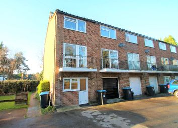 Thumbnail 1 bed flat to rent in Chelsham Road, Warlingham