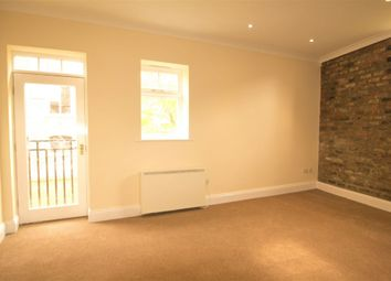 Thumbnail 2 bed town house to rent in Fossgate, York