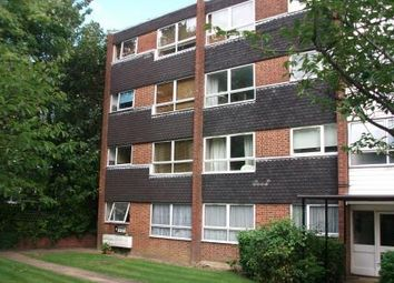 Thumbnail 2 bed flat to rent in Heathdene, Southgate