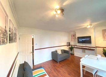 Thumbnail 3 bed flat to rent in Hanbury Street, Aldgate East/Whitechapel/Brick Lane