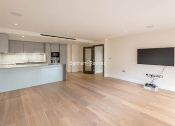 2 bed flat to rent in Beaufort Square, Beaufort Park NW9