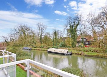 2 bed flat for sale in Cambridge Road, Harlow, Essex CM20