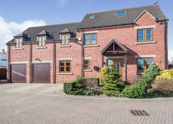 Thumbnail 5 bed detached house for sale in Calderstone Court, Middlestown, Wakefield