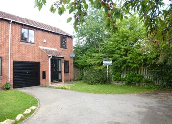 Thumbnail 2 bed detached house to rent in Bridport Close, Lower Earley, Reading