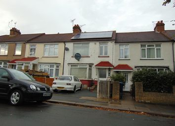 Queens Avenue, Greenford UB6. 3 bed terraced house