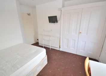 Thumbnail Room to rent in Basingstoke Road, Reading, Berkshire, - Room 6