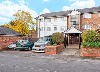 Thumbnail 1 bed property for sale in New To The Market...20 Muirfield House, St Andrews, Bracknell