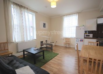 Thumbnail 3 bedroom flat to rent in York Way, London