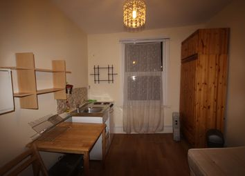 Thumbnail Room to rent in Dalling Road, Hammersmith