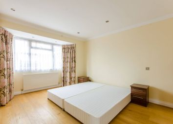 Thumbnail 3 bed property to rent in Summit Close, Southgate