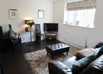 Thumbnail 2 bedroom maisonette to rent in Aldermere Avenue, Cheshunt, Waltham Cross