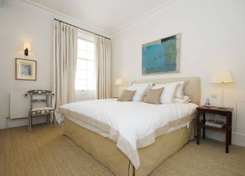 Thumbnail 3 bedroom flat to rent in Ebury Street, Belgravia